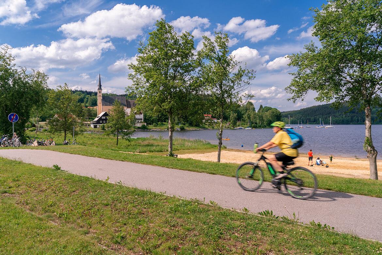 Přední Výtoň acelé Lipno je ráj pro cyklisty